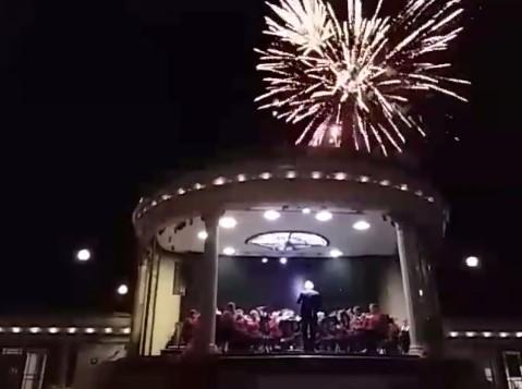 170503 Eastbourne fireworks 1