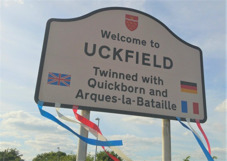 Uckfield twinning road sign
