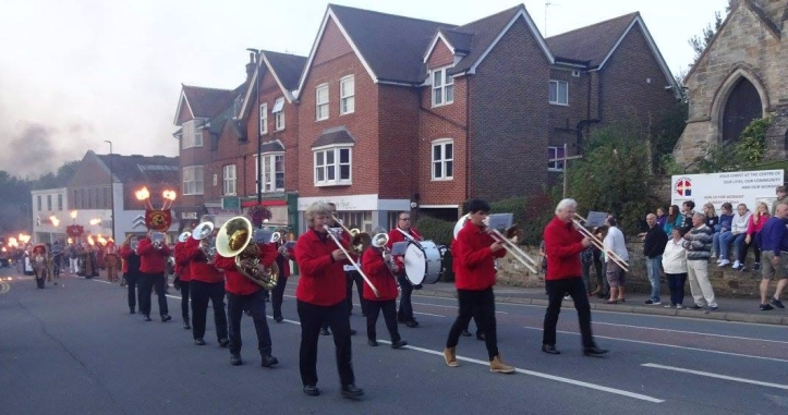 uckfield-carnival-170902-2.jpg
